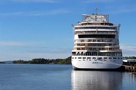 cruise ship.aft